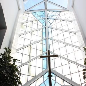 Trauerhalle Glasfront Bestattungen Richter